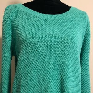 Scoop neck knitted sweater !